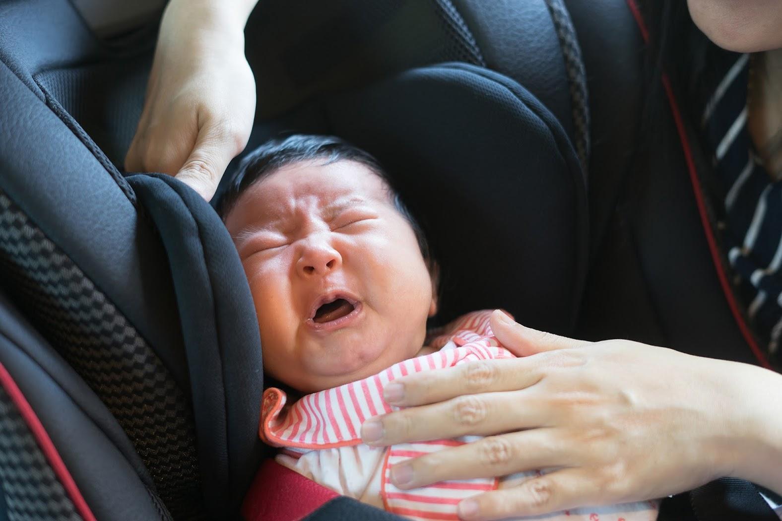 赤ちゃん大泣き
