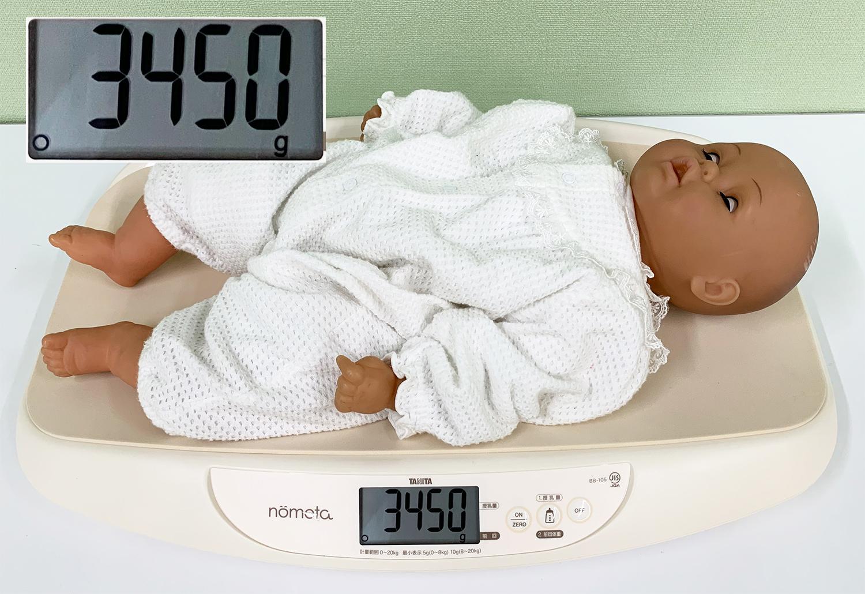 授乳前の赤ちゃんの体重